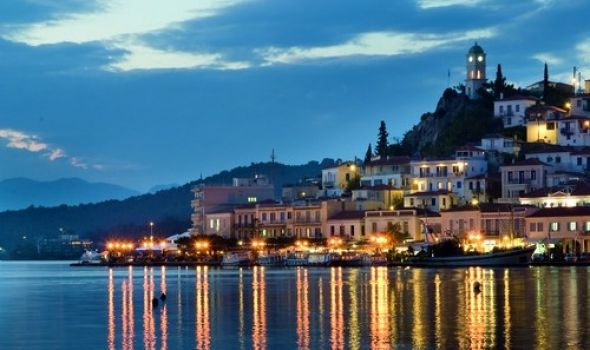 Poros at nightSailing holiday Destination
